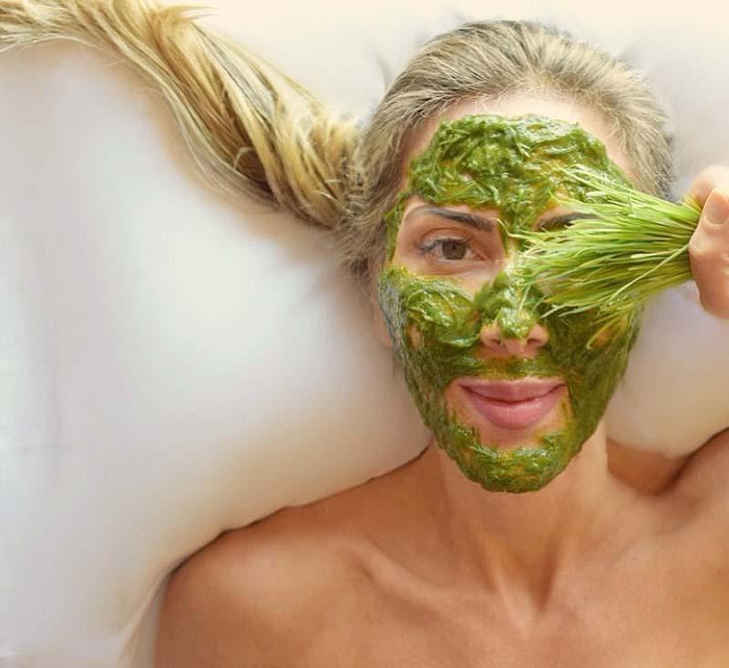 elisa-chanan-mascara-grama